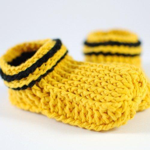 Babypuschen schwarz/gelb Baumwolle, gehäkelt, M - ca. 11 cm
