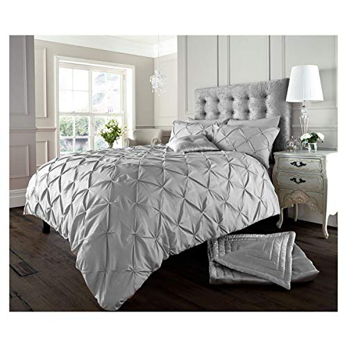 Lions Pinch Pleat Pintuck Bedding Set, Duvet Quilt Cover with Pillowcase, Button Closure, 3 Piece, Silver, King Size