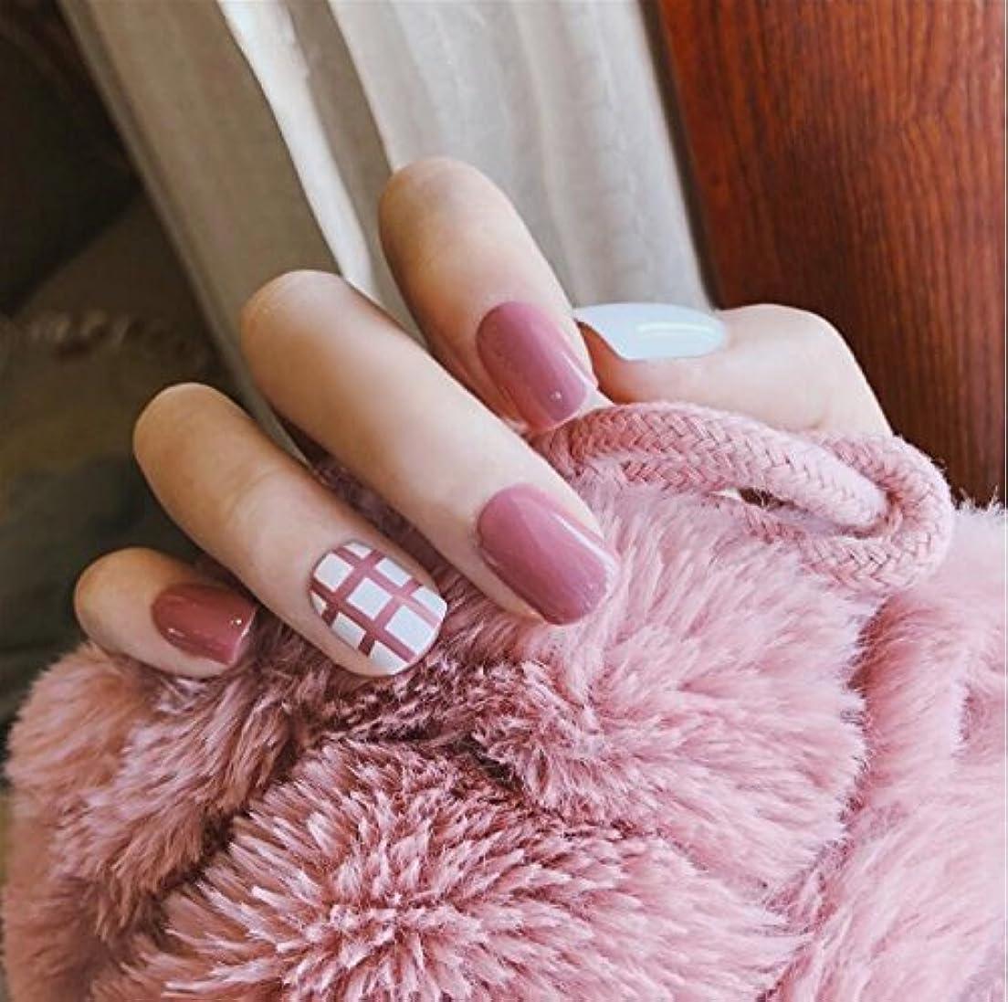 ガラガラ鹿きゅうり24 pcs ネイルチップ 可愛い ピンク 白 無地 線 短い