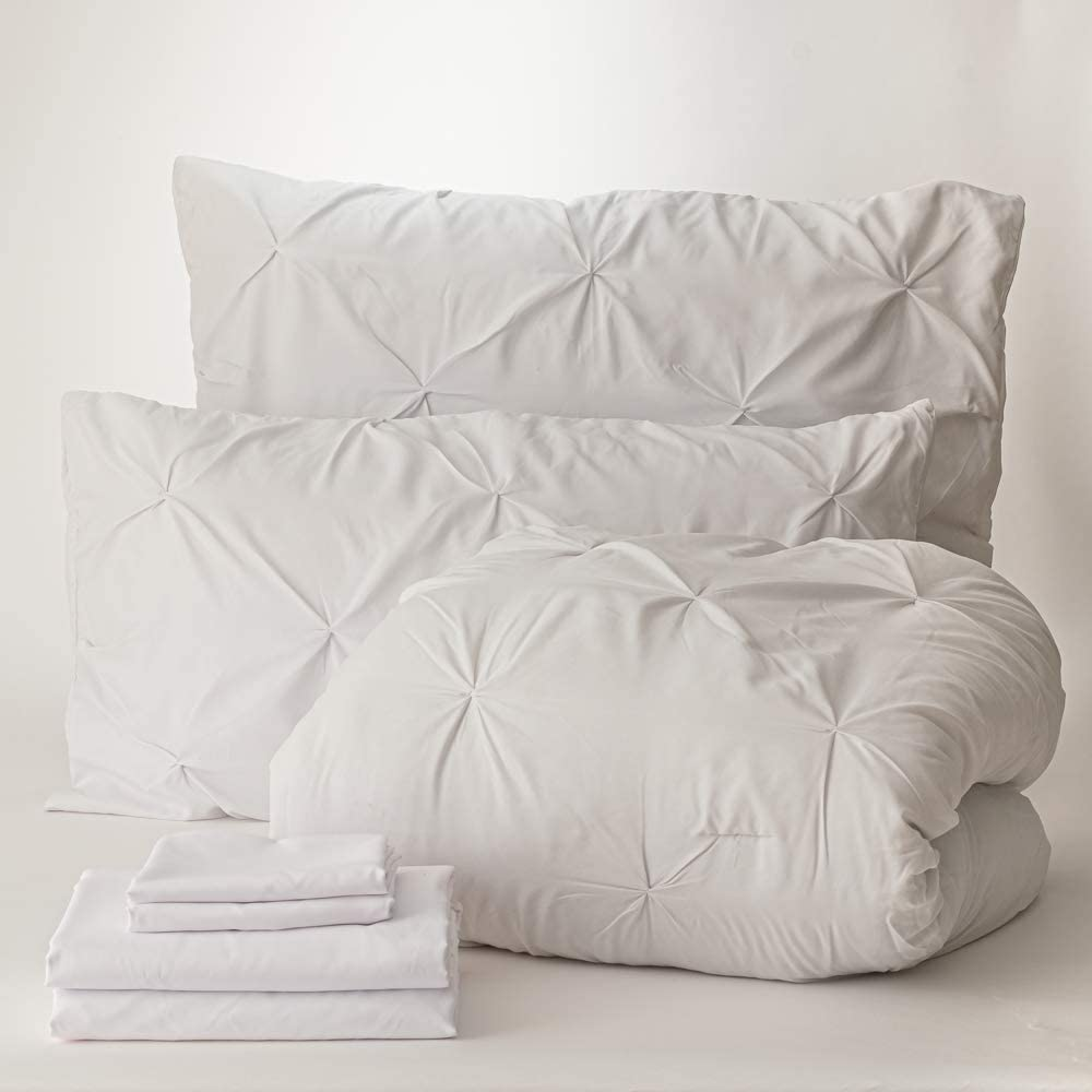 Dawn 7-Piece Complete Bedding Set in Pleat White mart Kiss Brand new R King