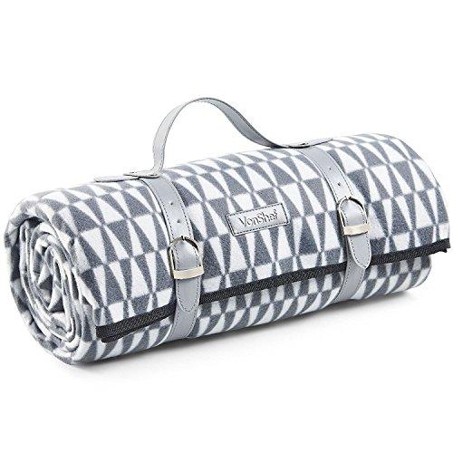 VonShef XL Picknickdecke mit Grauem Geometrischem Muster/Fleecedecke mit Tragegurt aus Kunstleder und Wasserfester Beschichtung – 147 x 180 cm