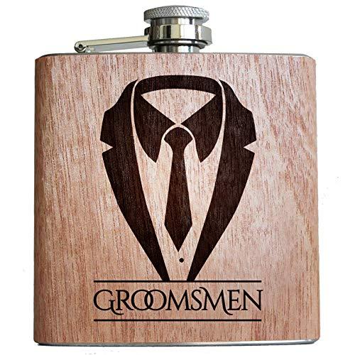 Pixelstudio houten Flachmann Groomsmen trouwinstrumenten met frak/pak motief. Origineel cadeau-idee.