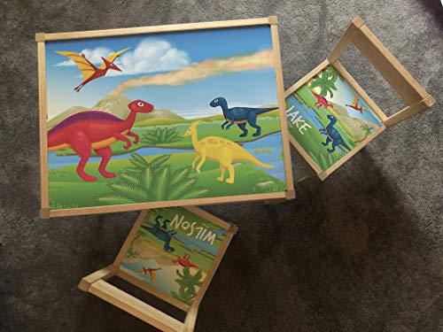 MakeThisMine Mesa infantil personalizada y 4 sillas de madera Ikea LATT nombre grabado dinosaurio DIno1 T-rex huevo impreso escritorio de juego unisex para niños pequeños, niñas, amigos, familia