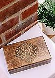 Cruz celta tallada caja mediana