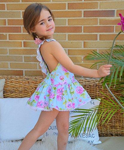 """Revista patrones de costura infantil, nº 4. Moda Primavera-verano, 28 modelos de patrones con tutoriales en vídeo (youtube), """" niña, niño, bebé"""" Sewing instructions in English."""