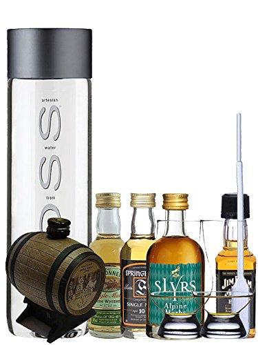 Whisky Probierset Old St. Andrews Mini-Fass 5cl, Slyrs Herbs Alpine 5cl, Springbank 10 5cl, The Tyrconnell 5cl, Jim Beam Black 5cl + 500ml Voss Wasser Still, 2 Glencairn Gläser und eine Einwegpipette