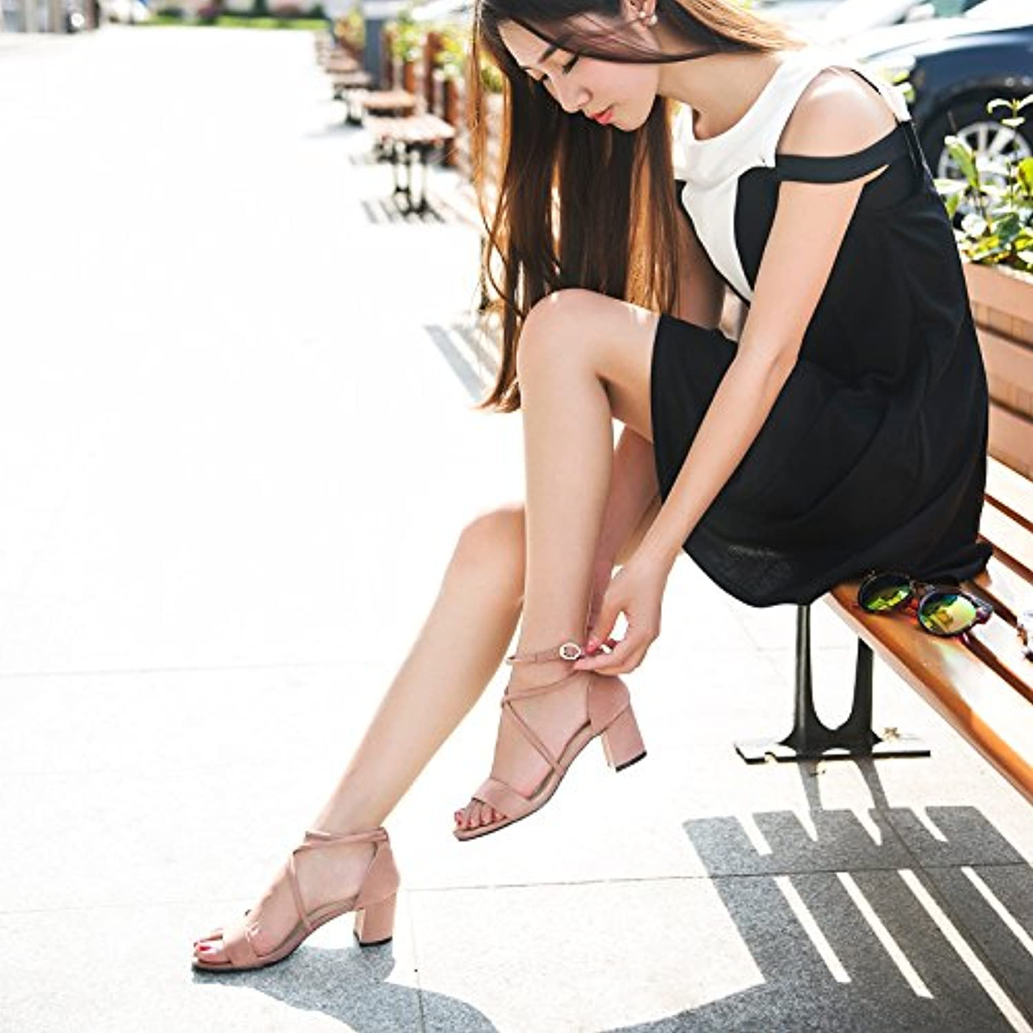 2017 New Summer Sandals with Cross Strap high-Heeled All-Match Toe Buckle with Students with coarse Word shoes
