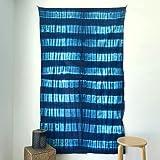 MOMOMUS Tapiz Shibori Tie Dye - 100% Algodón, Grande, Multiuso - Tapices de Pared Decorativos Ideales para la Decoración del Hogar, Habitación o Salón - Azul D, 135x210 cm
