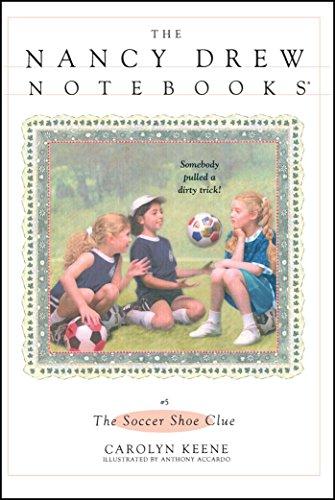 The Soccer Shoe Clue (Nancy Drew Notebooks #5)の詳細を見る