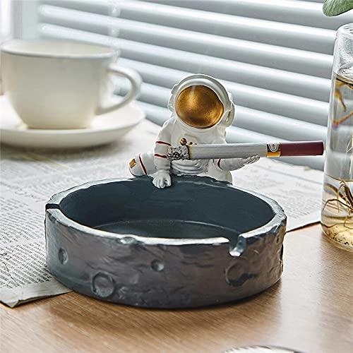 PPuujia Cenicero creativo de astronauta de resina, accesorios para fumar, sala de estar, mesa de café, escritorio, decoración del hogar, cenicero, adornos de regalo (color cenicero dorado)