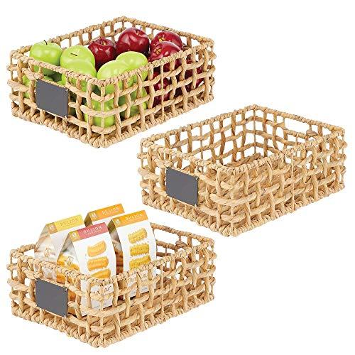 mDesign Juego de 3 cestas organizadoras para armario o estante – Canasta trenzada de jacinto de agua con etiqueta – Cesto extraíble con asas para baño, cocina, etc.– 40,6 x 30,5 x 15,2 cm – natural