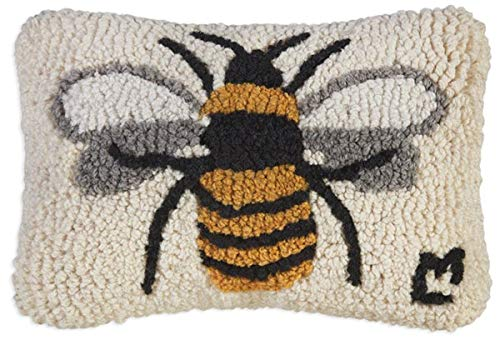 "Chandler 4 Corners Artist-Designed Bumblebee Hand-Hooked Wool Decorative Petite Throw Pillow (8"" x 12"")"