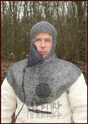 Ulfberth Kettenhaube aus Federstahl mit dreieckigem Mundschutz, ID8mm, unbehandelt für Schaukampf