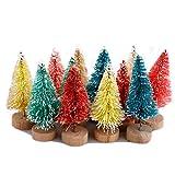 Xueliee - Juego de 12 mini árboles de cedro coloridos con base de madera para botella de árboles, plástico para invierno, nieve, decoración de mesa, árboles de mesa, manualidades, fiestas, regalos
