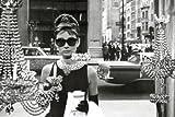 Audrey Hepburn - Maxi poster di Tiffanys Window di dimensioni 61 x 91,5 cm