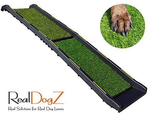 RealDogZ Hunderampe fürs Auto, Pfoten schonender Anti-Rutsch-Belag aus Kunstrasen, leicht, klappbare Einstiegshilfe Hund Kofferraum, Schwarze Rampe (Kunstrasen, 156cm x 40cm) - Design Protected