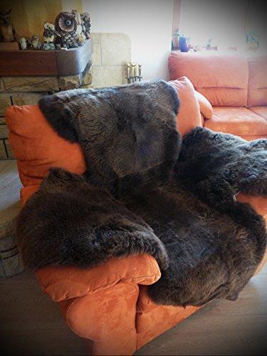Echter Lammfell Sesselschoner mit Armlehnen komplett aus Naturfellen 190x140cm braun