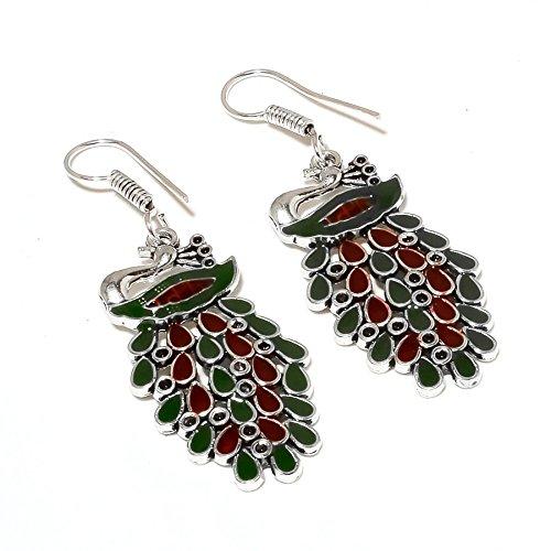 ¡Cheed trabajo PENDIENTE con forma de pavo real 2.25'de largo, rubí teñido de rojo simulado y esmeralda verde, chapado en plata de ley, hecho a mano. Joyas de Shivi