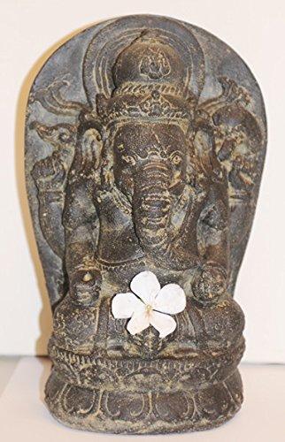 Ganesha, der Elefantengott , Skulptur aus Sandstein im Antiklook, auch für den Garten