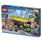 LEGO CITY - Estación de Autobuses, Juguete de Construcción de Vehículo de Transporte en la Ciudad, Incluye Pasajeros, un Puesto de Periódicos y una Bici (60154)