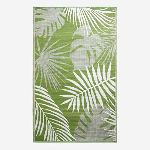 HOMESCAPES Green Tropical Leaf Indoor & Outdoor Rug for Garden, Green &...