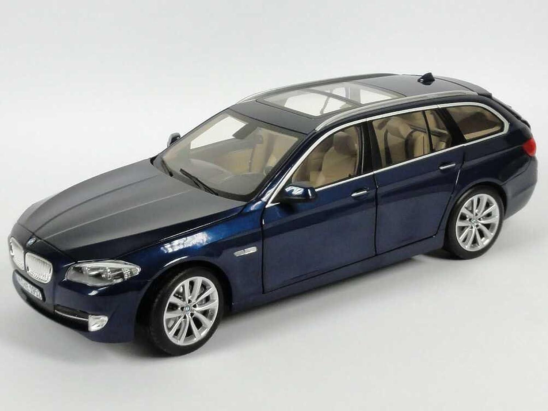 BMW Genuine Miniature 5 Series Touring Model Car Toy 1 18 (80 43 2 158 016)