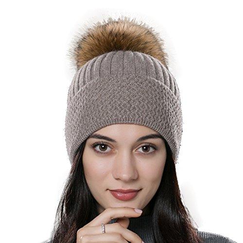 URSFUR Unisex weiche Zopfmuster Mütze mit Bommel aus Waschbär Fell Bommelmütze - Brown