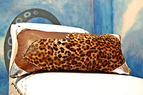 Cojín Artesanal de 20 por 40 cm con Patchwork en diferentes Pieles. Modelo; Acrux.