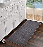 UMI by Amazon - Alfombra de pasillo de algodón 100% jacquard con patrón de pasillo lavable para sala de estar, cocina, dormitorio, cama de 60 x 152 cm, color gris