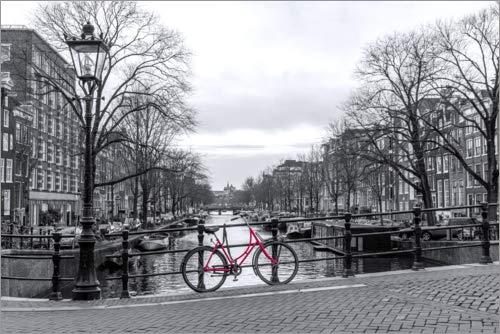 Alubild 100 x 70 cm: Rotes Fahrrad in Amsterdam von George Pachantouris