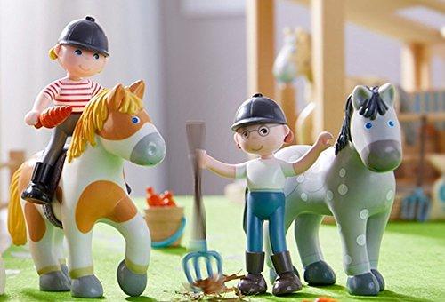 HABA Little Friends Reiterin Conni Anna Pferd Flecki Pferd Bella Geschenkset 4-teilig Biegepuppen Minipuppen