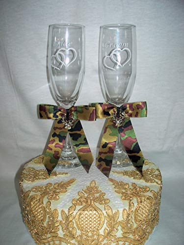 Wedding party reception Deer Hunter Hunting Camo toasting glasses