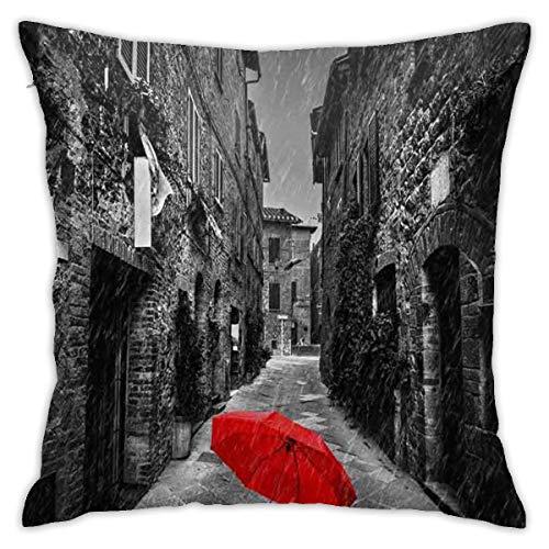 Funda de almohada 45cm Paraguas de 45cm en una calle oscura y estrecha en un antiguo pueblo italiano en Toscana Funda de almohada Funda de cojín para sofá en casa Sofá Living 18 '' X 18 '' Pulgadas