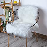 HLZHOU Soft White Faux Fur Rug Fluffy Non-Slip Fur Sheepskin Chair Cover Seat Pad Shaggy Area Rugs for Bedrooms Living Room Floor Kids Rooms (2 x 3 Feet (60 x 90 cm) White)