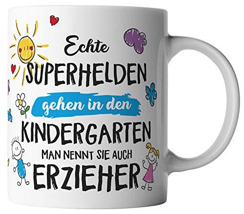 vanVerden Tasse - Echte Superhelden gehen in den Kindergarten man nennt sie auch Erzieher - beidseitig Bedruckt - Geschenk Idee Kaffeetasse mit Spruch, Tassenfarbe:Blau