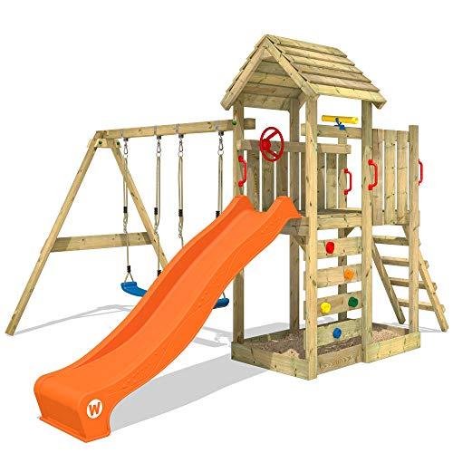 WICKEY Spielturm Klettergerüst MultiFlyer Holzdach mit Schaukel & oranger Rutsche, Kletterturm mit Holzdach, Sandkasten, Leiter & Spiel-Zubehör