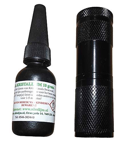 Kristal lijmset (10 gram lijm) inclusief 9 led's UV lampje met 3 AAA batterijen. Met deze kristal lijmset lijmt u elk kristallen miniatuur van Swarovski eenvoudig en 100% glashelder.