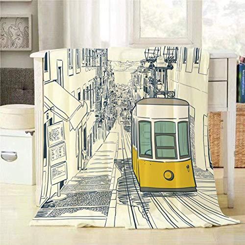 WH-CLA Fleece Blanket Postal Calle Tranquila En Lisboa con Tranvía Amarillo Y Casas Dibujadas Imprimir Todas Las Estaciones Manta De Franela Personalizada Cozy Ligero Cálido Mantas Decor