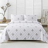 Soul & Lane Belle Fleur Cotton 3-Piece Bedding Quilt Set - King with 2 Shams   White French Fleur de Lis Quilted Bedspread
