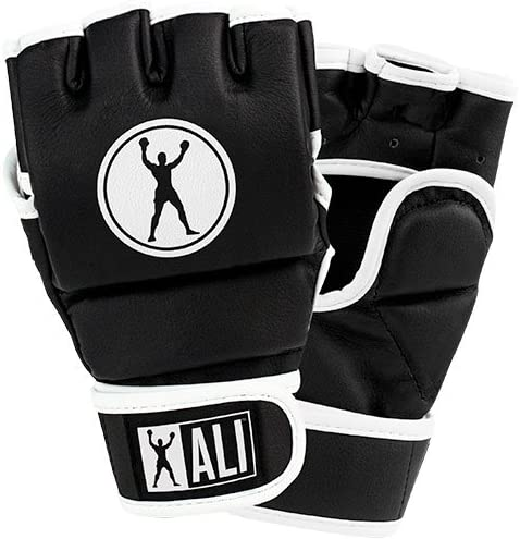 Selling Ali We OFFer at cheap prices Striking Gloves