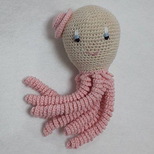 Pulpo amigurumi para recién nacido en color rosa claro. Pulpo de ganchillo - crochet para bebé.