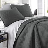 Vilano Springs, Premium Quality, Soft, Wrinkle, Fade, & Stain Resistant, Easy Case, Oversized Quilt Cover Set with 1 Quilt Set and 2 Shams, King / California King, Slate