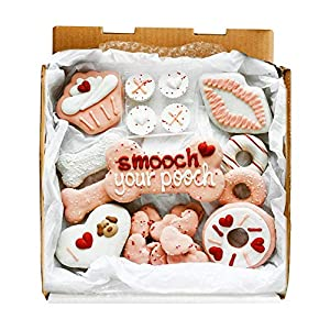 Wüfers Smooch Your Pooch Cookie Treats | Dog Treats for Small Dogs and Large Dogs | Frosted Dog Bone Biscuits Handmade and Hand-Decorated with Locally Sourced Ingredients