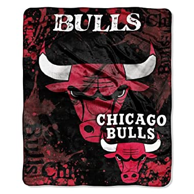Chicago Bulls 50''x60'' Royal Plush Raschel Throw Blanket - Drop Down Design