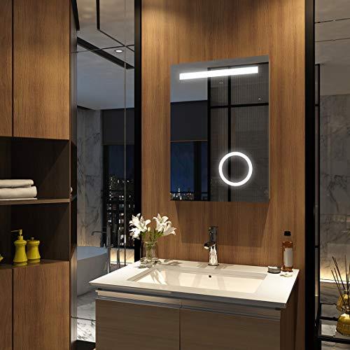 Meykoers Wandspiegel Badezimmerspiegel 50x70cm mit Vergrößerung, Kippschalter, Steckdose und Beschlagfrei, LED Badspiegel mit Beleuchtung Kaltweiß 6400K Energieklasse A++ IP44
