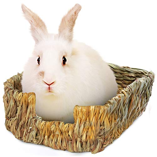 SunGrow Portable Rabbit Bed, Hand-Made with Natural Grass, Provides Paws Protection & Relaxation, Lightweight, Durable, Safe & Comfortable for Rabbits, Chinchillas, Guinea Pigs & Other Small Animals