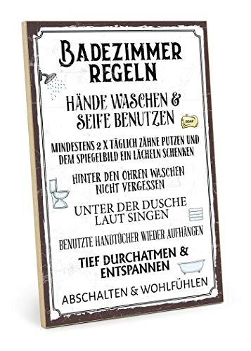 TypeStoff Holzschild mit Spruch – Badezimmer Regeln – im Vintage-Look mit Zitat als Geschenk und Dekoration (Größe: 19,5 x 28,2 cm)