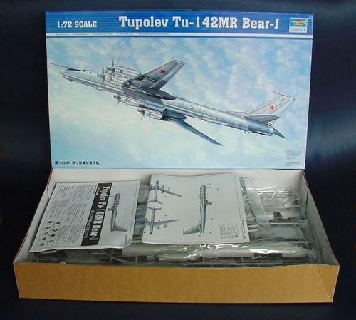 Trumpeter 01609 Modellbausatz Tupolev Tu-142 MR Bear-J