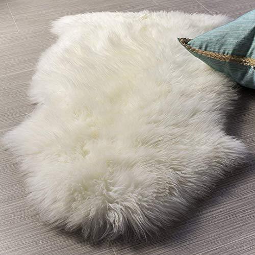 YIHAIC, Kunstfell, Teppich aus Schafsfell, dekorativ, lange Haare, Imitat aus Baumwolle, perfekt als Bettvorleger, Badezimmer-Teppich oder fürs Sofa 50 x 80 cm Bianco