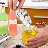 Cubo de hielo cucharada acero inoxidable azúcar granos secos...